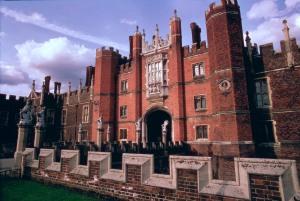 Hampton Court Palace, Middlesex, UK/ The Bridgeman Art Library